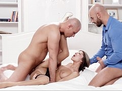 Smoking hot Gina's 3some