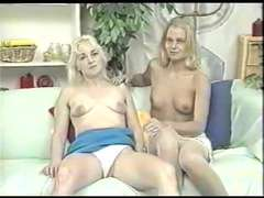 Mom And Step Daughter Undress, Trim And Play