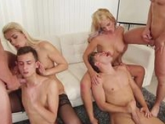 Bisex hunks have an intercourse in group orgy