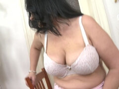 big beautiful housewife fingering herself