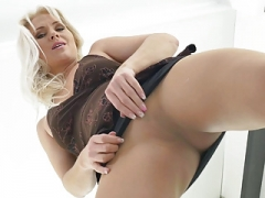 European soccer mom Kathy loves the feeling of nylon on her muff