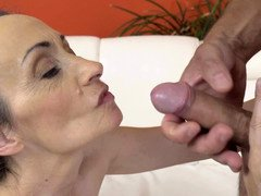 Cock juice on the mature dame face means that she is still whole of admire