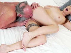 Immature beauty seduced dirty pervert grandpa