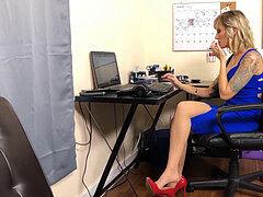 Chanel Preston freches Amerika Milf Arsch und Füße
