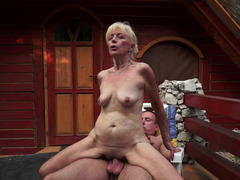 Blonde that loves cock is bringing her old body over a dude today