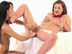 Gabriela Daniels Gets Fisted By Lexi Dona