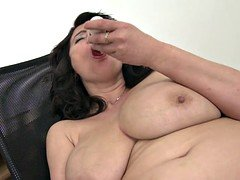 Bigtitted natural matures with hungry holes