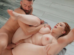 Horny redhead Summer Hart steamy shower sex