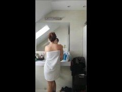 Hot sister bathroom voyeur cam