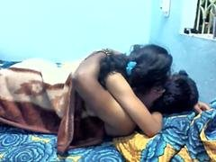 Indian desi kitten fucking with boyfriend in bedroom