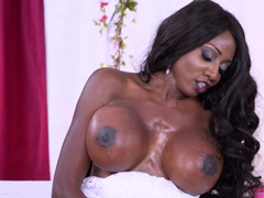 Guy and black bride with huge titties can't anticipate wedding night