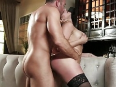 Cheating Wife Skylar Snow Having an intercourse Thick Dick
