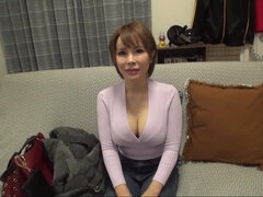 japanese big tits milf mastubating