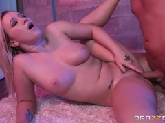 Amazing succulent babe Bailey Brooke hot porn video