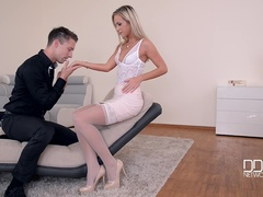 Foot Loving Shrink - Hot Blonde Babe Gets Cum on Feet