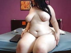 Large Bum ON WEBCAM