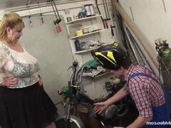 Scooter For Hooters - curvy fat ass BBW Angellyne Hart fucked in the garage