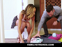 FamilyStrokes - scorching nubile Flashes Pussy For perverted Uncle