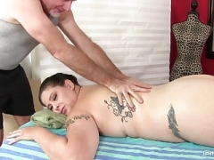 Porky Kailie Raynes Has Her Rotund Body and Cunt Massaged
