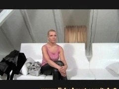 FakeAgent Deluxe blonde works her ideal tush on casting