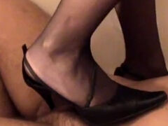 Shoes tread trampling & ballbusting in the bath