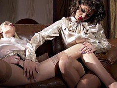 pussyloving rich babes Analy in Trio punished