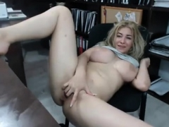 Flashing Blonde Gal Lenas Highway Self-satisfaction And also Public