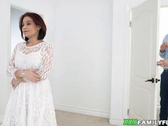 Big Tits Stepmother Fucked Before Wedding