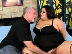 Plumper Bella Bangz gets buttfucked