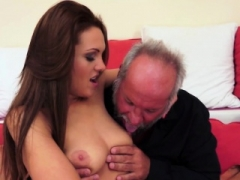 Dilettante girl gets her pink slit fucked by oldman
