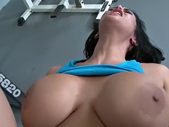 cb big tits at the gym