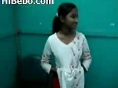 Indian Student 18-19 y.o. Sunita - College Nude Indian.mp4
