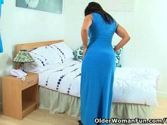 British sexually available mom Lelani strips off and masturbates in stockings