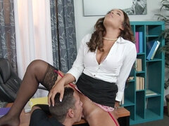 Mila Marx puts Tylor to work on her pussy