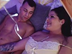 MOM Surprise midnight bunkbed bang with melons Stepmom in lacy underwear