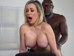 Luxury Milf Bangs her Doctor