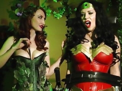 Wonder female vs Poison ivy  Helpless and also Drained