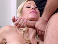 Zoey Portland throat and pussy intense drilled in the armchair