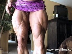D Solomons shows her veiny muscle