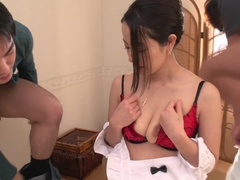 Amazing maid Anna Mihashi is making an amazing BJ