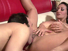 slurping her bush and pulverizing that juicy MILF twat balls-deep